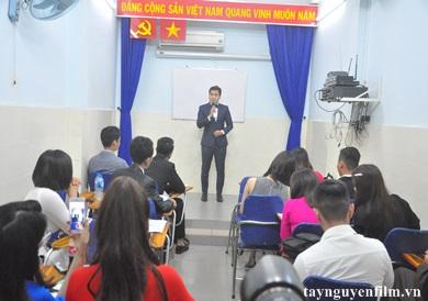 đào tạo mc hội nghị ngắn hạn